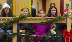 NOTL Santa Claus Parade - #11 (rumimume) Tags: christmas ontario canada canon photo still december niagara parade santaclaus l 70200 niagaraonthelake notl 2015 550d t2i rumimume