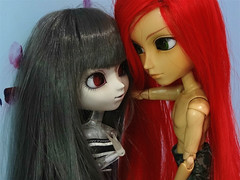 Até quando? (3/3) (BiassaurRex~☆) Tags: pullip elisabeth mitsui rewigged obitsu27 obitsu clear taeyang rayne nick grey redhead