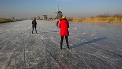 Ice Skating with my Family (Wim Boon (wimzilver)) Tags: lotte els wim lumia950 kinderdijk