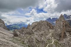79 (Alessandro Gaziano) Tags: alessandrogaziano foto fotografia montagna dolomiti dolomites valgardena altoadige sudtirolo italia italy panorama landscape cielo travel traking