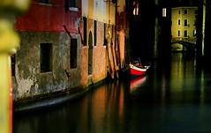 Venise - Italie (AlCapitol) Tags: italie venise nikon d800 barque bateau boat canal reflet reflection
