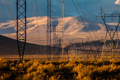Todays Desert (Riverkern) Tags: powerlines rosevalley ef100400mmf4556lisusm cosorange canoneos5dmarkii ladwpscars