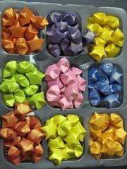 Star (Atelier ArthSarah!) Tags: paper origami modular japo papel bola tesoura sorte mbile tsuru dobradura longevidade dobras pendurar kudusama