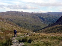 """Descending to the Pen-y-Gwryd from Pen-y-Pass • <a style=""""font-size:0.8em;"""" href=""""http://www.flickr.com/photos/41849531@N04/21595310135/"""" target=""""_blank"""">View on Flickr</a>"""