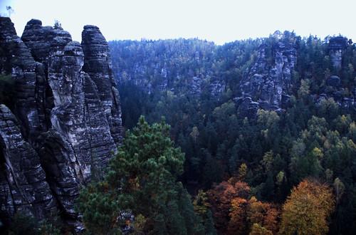 "Elbsandsteingebirge (041) Wehltürmen • <a style=""font-size:0.8em;"" href=""http://www.flickr.com/photos/69570948@N04/21749295442/"" target=""_blank"">View on Flickr</a>"