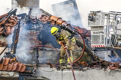 _V0A0542 (oslobrannogredning) Tags: bygningsbrann flammer fullfyr brann totalbrann røykdykker røykdykking røykdykkere arbeidpåtak arbeidihøyden