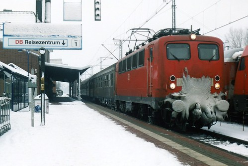 DB 141 330-1 te Bad Bentheim op 27-12-2000