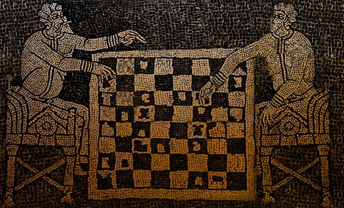 "Petteia - Ludus Latrunculorum  / Iconografía de las civilizaciones helenolatinas • <a style=""font-size:0.8em;"" href=""http://www.flickr.com/photos/30735181@N00/31678482454/"" target=""_blank"">View on Flickr</a>"