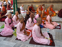 "PB140680-a (photozaki) Tags: india ""sujata kuti"" ""mahabohi temple"" ""mahabodhi mahavihara temple ""buddhist buddha buddhism ""bodhi tree"" bodhgaya gaya buddhist monk monks ashoka enlightenment ""vajrasan diamond throne"""