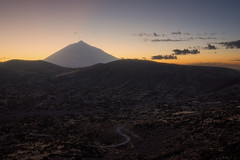 Some Light and El Teide (martin.matte) Tags: tenerife teneriffa teide elteide sky landscape landschaft vista viewpoint travel hiking road mountain spain islascanarias kanarischeinseln kanaren canaryislands sunset
