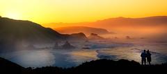 Un Paraíso Cercano (Juan Figueirido) Tags: loiba acantiladosdeloiba sunset puestadesol galicia spain españa panasonicfz1000 ortigueira acoruña couple pareja mar surf olas