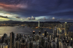 Causeway Bay after sundown. (Massetti Fabrizio) Tags: hongkong hongkongnight sunset cityscape city nikond3 night nikon causeway bay carlzeiss21mmf28 cina china clouds
