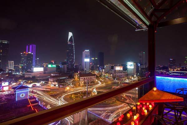 OMG-rooftop-bar-Saigon