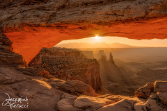 Mesa Arch, Canyonlands (Jeremiah Pierucci) Tags: sunrise utah arch canyonlands nationalparks mesaarch