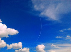 turn right heading 180 (cognosce te ipsum) Tags: blue shadow sun sunshine clouds turn plane airplane daylight day cumulus humilis mediocris chemtrials