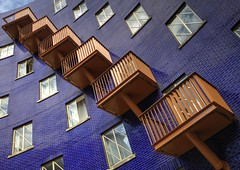 London_20150920_7774 (Joseph Pearson Images) Tags: blue building london architecture balconies southwark thecircle