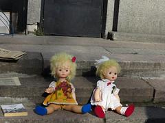(Arrtez la Musique) Tags: doll dolls secondhand fleamarket lithuania vilnius mercadillo muecas bambole mueca vilna lietuva lituania bamboline