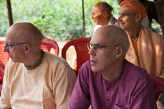IMG_5423 (iskconmonk) Tags: festival prabhupada swami kartik prabhu brahmananda vrindavan iskcon swamiji sanyasi goshala iskconvrindavan