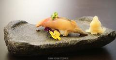 Momiji cocina japonesa (niguiri) (MaxiKohan) Tags: food cooking valencia sushi cuisine japanese restaurant comida momiji japanesecuisine mercadodecolón niguiri cocinajaponesa maxikohanphotography