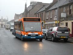 Strathtay - 252 - SP05ECF - Traction-Group20050336 (Rapidsnap (Gary Mitchelhill)) Tags: strathtay strathtaybuses forfar buses greyday gloomy scotchmist