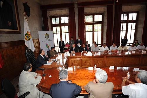 El gobernador Javier Duarte de Ochoa asiste a reunión con Secretario General del Comité Ejecutivo Nacional de la Confederación Regional Obrera Mexicana (CROM)