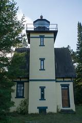 Mendota Lighthouse, October 2016-4 (Invinci_bull) Tags: michigan michigansupperpeninsula michiganskeweenawpeninsula keweenaw keweenawpeninsula upperpeninsula up betegrise mendotalighthouse mendota lighthouse fall