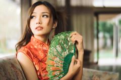 DSC00612 (Spyrosis) Tags: woman portrait fashion female asian model cute beauty chinese new year red qipao dress lomography achromat
