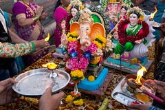 _MG_9842fw (Dave Cavanagh Street) Tags: ganeshchaturthi ganeshchaturthi2016 ganesh mumbai india hindu hinduism butterlamp festival worldreligion faith belief garland flowers travel travelphotography