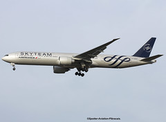 Air Fance (SkyTeam). Boeing 777-328(ER). (Jacques PANAS) Tags: air france skyteam boeing 777328er fgznt msn387051385