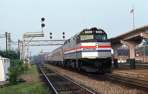 1981 07-07 1835 AMTK F40PH-302 W/B 347 Aurora, IL