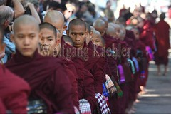 30099733 (wolfgangkaehler) Tags: 2017 asia asian southeastasia myanmar burma burmese mandalay mahagandayonmonastery mahagandayonmonastary people person monks buddhist buddhistmonasteries buddhistmonastery buddhistmonk buddhistmonks almsceremony almsbowls meal