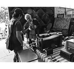 PERSA BIO-BIO 250 (ORANGUTANO / Aldo Fontana) Tags: chile santiagodechile regiónmetropolitana persabiobio rastro canong10 ciudad city blancoynegro orangutano aldofontana flickr mercadodelaspulgas calle street
