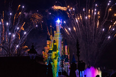 Disney Dreams, Disneyland Paris (20170214_8) (Graham Dash) Tags: disneydreams disneylandparis france paris sleepingbeautycastle themeparks castles fireworks