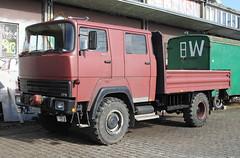 Ex THW truck (Schwanzus_Longus) Tags: bremen german germany old classic vintage truck lorry flatbed thw technisches hilfswerk maroon brown coe cab over engine crew emergency vehicle magirus deutz 170 d11