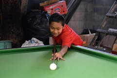 young snooker player (the foreign photographer - ฝรั่งถ่) Tags: young snooker player table billiards white ball pool cue khlong thanon portraits bangkhen bangkok thailand nikon d3200