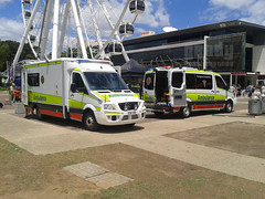 Queensland Ambulance Service Ambulance and STR Unit (Grady Featherstone) Tags: city light 3 bar mercedes code australia brisbane ambulance southbank led medical queensland service paramedics care emergency paramedic assistance services unit hideaway 2100 str stru sprinter bariatric lightbar