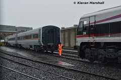 206 arrives at Connolly, 14/11/15 (hurricanemk1c) Tags: dublin irish train gm 206 rail railway trains enterprise railways irishrail 201 nir generalmotors 2015 emd connolly iarnród dedietrich éireann northernirelandrailways iarnródéireann