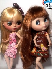 Toy-in-the-Frame Thursday & Blythe-a-Day December#30 Wishes for the New Year: Abby & Luna Dance to George Michael