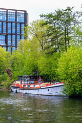 Regent's Canal (mh218) Tags: britain centrallondon greatbritain kingscross london regentscanal stpancras barge barges boat canal canals capital city narrowboat narrowboats uk vertical water waterway