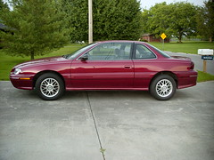 1997 Pontiac Grand Am SE (Mr. Low Notes) Tags: minoltadimage1500 pontiac grandam car auto automobile