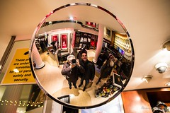 My selfie in London. (Bouhsina Photography) Tags: street london selfie moi ami couleur angleterre londres 2017 miroire reflection canon 5diii ef2470