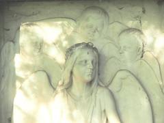 Engelreigen (1elf12) Tags: friedhof cemeteries cemetery angel germany deutschland cementerio cemitério engel cimetière dorfkirche cementerios cemitérios cimiteri cimetières friedhoefe cimiteris ampleben