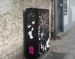 COFFEE CUP CATS [TRAFFIC BOX TSB9M STREET ART 79 CHANCERY STREET]-110157