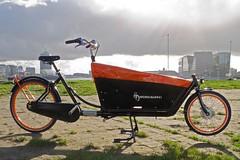 WorkCycles Kr8 Black Box Orange Rims 10 (@WorkCycles) Tags: eye dutch amsterdam museum kids stand parking kinderen tent stable zwart standaard ij oranje fiets cargobike bakfiets afdekzeil stevig workcycles kr8 stabiel