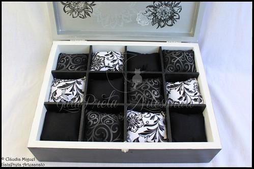 """Caixa para 12 relógios e caixa de bijuterias """"Chic&Classic"""""""