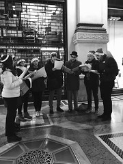 """19.12.16 il coro giovani che accompagnerà la Messa solenne delle Notte di Natale • <a style=""""font-size:0.8em;"""" href=""""http://www.flickr.com/photos/82334474@N06/32095262961/"""" target=""""_blank"""">View on Flickr</a>"""