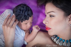 daughter (Rufino Uribe) Tags: rufinouribe couple love newborn portrait retrato mother daughter babe bebé madre arianniesuarez nouveaunée новорожденный glance neugeborenen mutter baby kid cute perfil