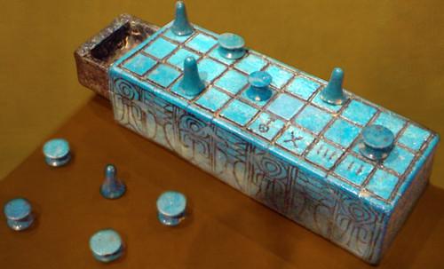 "Senet - Lujoso sistema de objetos lúdicos obsequio del dios Toht a la faraona Nefertari • <a style=""font-size:0.8em;"" href=""http://www.flickr.com/photos/30735181@N00/32399618231/"" target=""_blank"">View on Flickr</a>"