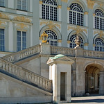 München - Schloss Nymphenburg (09) - Hauptgebäude thumbnail