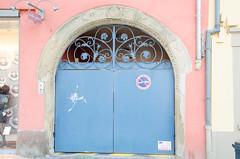 27 place Hôtel de Ville (Zéphyrios) Tags: alsace d7000 nikon molsheim ferforgé ferronnerie porte